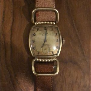 1942 WW2 ERA Elgin Deluxe 10k Gld Filled Mens
